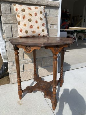Antique Side Table for Sale in Wahoo, NE