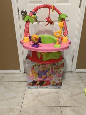 BABY GIRL DELUXE SUPERSEAT for Sale in Bellflower, CA