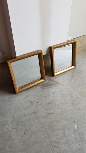 Wall decor mirrors for Sale in Leesburg, VA