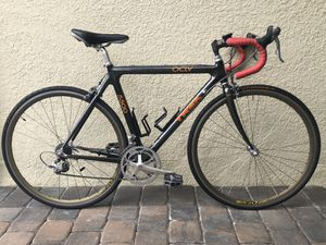 Trek 5500 OCLV Carbon Road Bike for Sale in Hollywood, FL