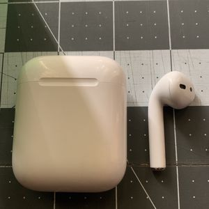 AirPod Series 1 for Sale in Ontario, CA