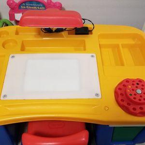 kids desk for Sale in Billerica, MA
