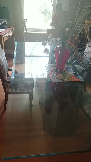 Levelled edge glass table for Sale in Tampa, FL
