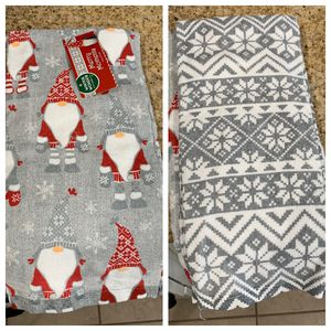 *NEW* Cute Grey Christmas Kitchen Towels for Sale in Claremont, CA