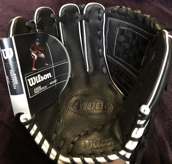 Left-Handed Throw Wilson A1000 Fast Pitch Softball Glove