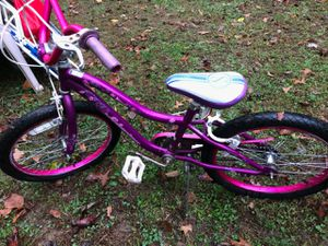 20 in girls bike for Sale in Severn, MD