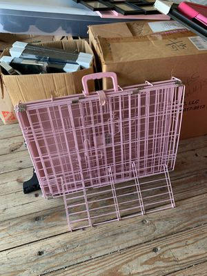 Pink Dog Crate NEED GONE TONIGHT for Sale in Oceanside, CA