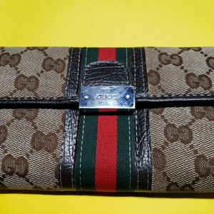 Gucci Wallet! for Sale in Stone Mountain, GA