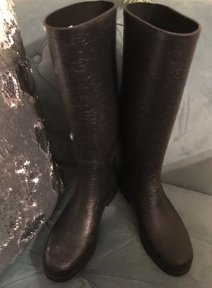 UGG Women's Tall Rain Boots Size 8 for Sale in Alexandria, VA