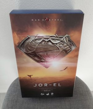 Jor-el hot toys sideshow figure man of steel for Sale in Kissimmee, FL