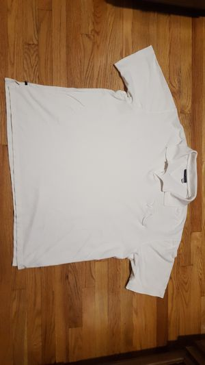 Rocawear white casual dress shirt size 3XL for men for Sale in Elmwood Park, IL