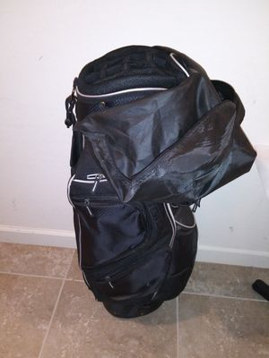 Ogo golf bag excellent condition 14 club holes with cover for Sale in Chandler, AZ