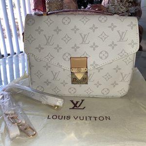 Wallet Color Blanca Marcada LV for Sale in Annandale, VA