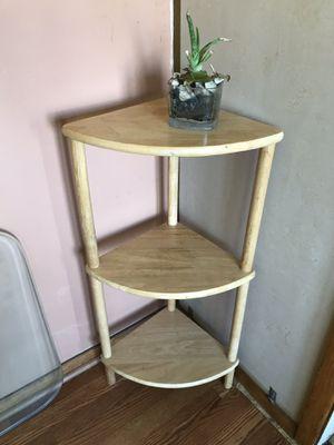 Corner shelf/table for Sale in Mentor, OH