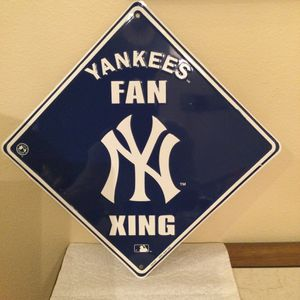 New York Yankees Fan Xing Sign Metal Used for Sale in Clermont, FL
