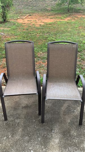 2 chairs and a rocker for Sale in Charlotte, NC