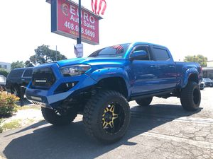 2016 Toyota Tacoma TRD Pro 4x4 Full Custom Low Mikes for Sale in Santa Clara, CA