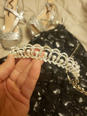 Bride tiara for Sale in Colfax, WI