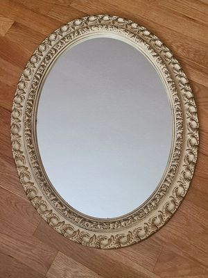 Oval Mirror - PRE-OWNED for Sale in Federal Way, WA