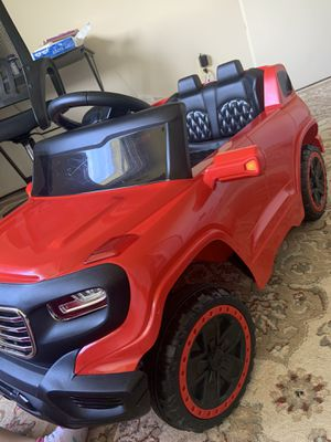 Kids electronics car and with charger , remote . Great condition. for Sale in Fort Belvoir, VA