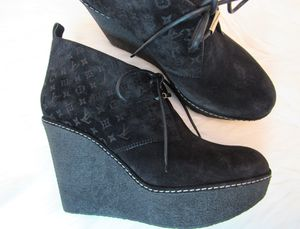 Louis Vuitton Authentic booties with rubber wedges size 39 for Sale in San Diego, CA