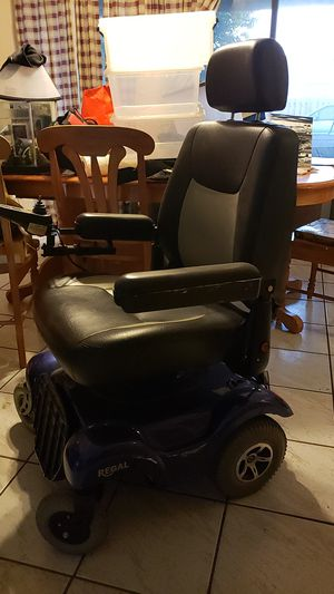 Regal merits sit up scooter for Sale in Cooper City, FL
