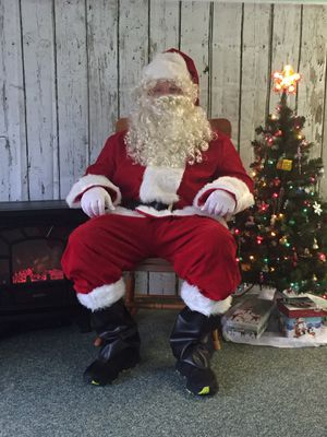 Free photos and snacks with Santa for Sale in Pittsburgh, PA