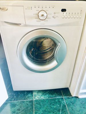Whirlpool washer WFW75HEFW 4.5 cu. ft. Front-Load Washer - White for Sale in Washington, DC