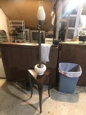 End table light for Sale in Cleveland, OH