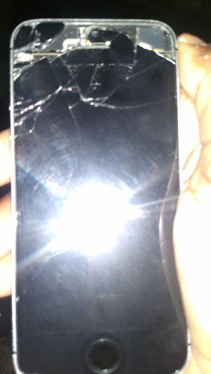 iPhone se/ 5 for Sale in Nashville, TN