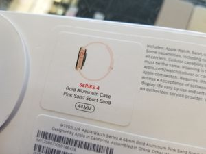 LTE Rose Apple Watch Series 4 44MM for Sale in Port St. Lucie, FL