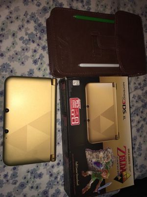 Nintendo 3DS XL Gold/Black - Limited Edition Bundle with The Legend of Zelda: A Link Between Worlds for Sale in Houston, TX