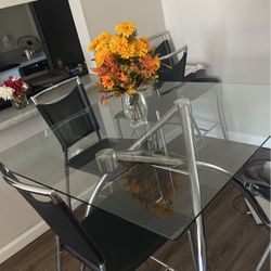 Dining Table for Sale in Florissant,  MO