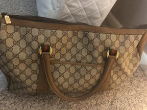 Gucci Duffle Bag for Sale in Cleveland, OH