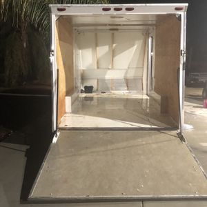 18' Enclosed Custom Trailer for Sale in Lake Elsinore, CA