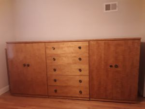 3 peice bedroom dresser set high quality for Sale in St. Louis, MO