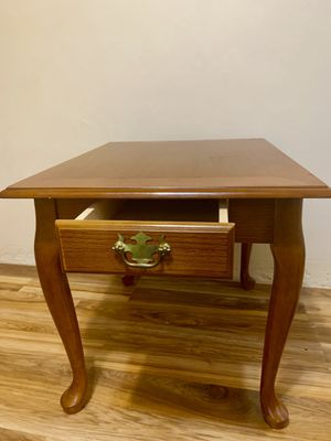 End Table for Sale in Green Bay, WI