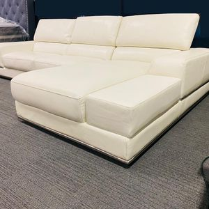 🔆NEW LUXURY LEATHER SECTIONAL SOFA WITH RECLINING BACKREST $1,250.🔆 for Sale in Dallas, TX