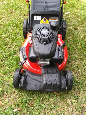 Lawnmower lawn mower troy bilt Power by Honda n new conditions front wheel drive self propelled ready for work. for Sale in Pembroke Pines, FL