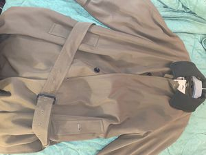 Burberry men's trench coat like new for Sale in Cathedral City, CA