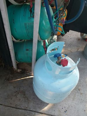 Refrigerant 507 full tank 25lbs.and new recovery tank for Sale in Colton, CA