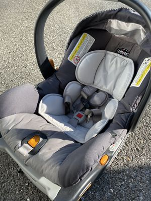 Chicco KeyFit30 infant carseat + extra base for Sale in Gaithersburg, MD