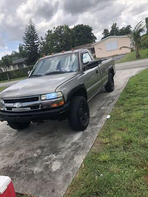 2002 chevy Silverado for Sale in Hollywood, FL