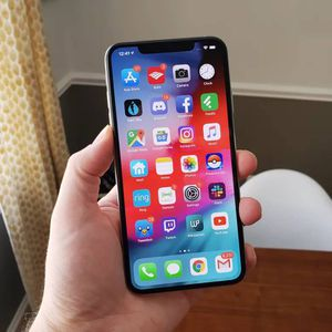 IPhone xs max for Sale in Sioux Falls, SD