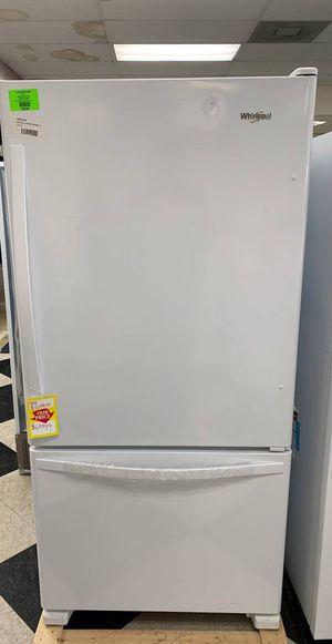 BRAND NEW WHIRLPOOL WRB322DMBW REFRIGERATOR K6P for Sale in Los Angeles, CA