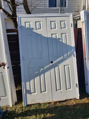 Tengo 3 puertas de 28x80 tengo una 32x80 y tengo una puerta doble de 48x80 for Sale in Sudley Springs, VA