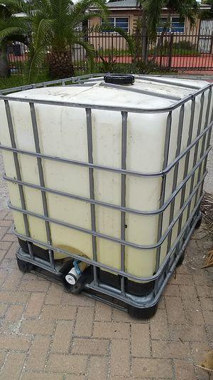 275 gallon water tank for Sale in Hialeah, FL