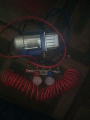AC compressor n Gage for Sale in Fresno, CA