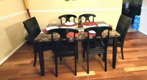Dining table and 6 leather chairs for Sale in MONTGOMRY VLG, MD