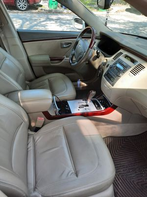 Hyundai azera limited diamond edition for Sale in Biscayne Park, FL